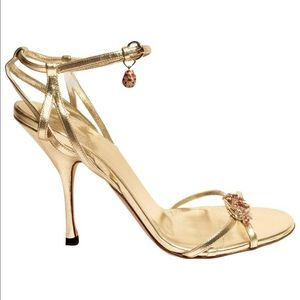 HOST PICK 🔥 Gucci Limited Edition Runway sandals